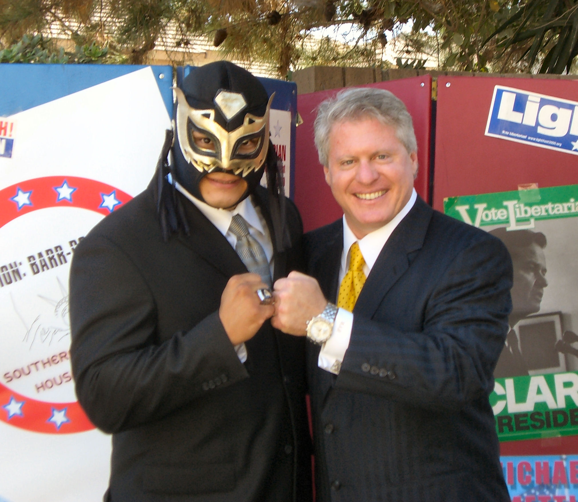 """When our intrepid young blogger """"El Luchador"""" told me that he had arranged an exclusive interview with Wayne Allyn Root, the Libertarian Party's Vice Presidential nominee, I thought he was […]"""
