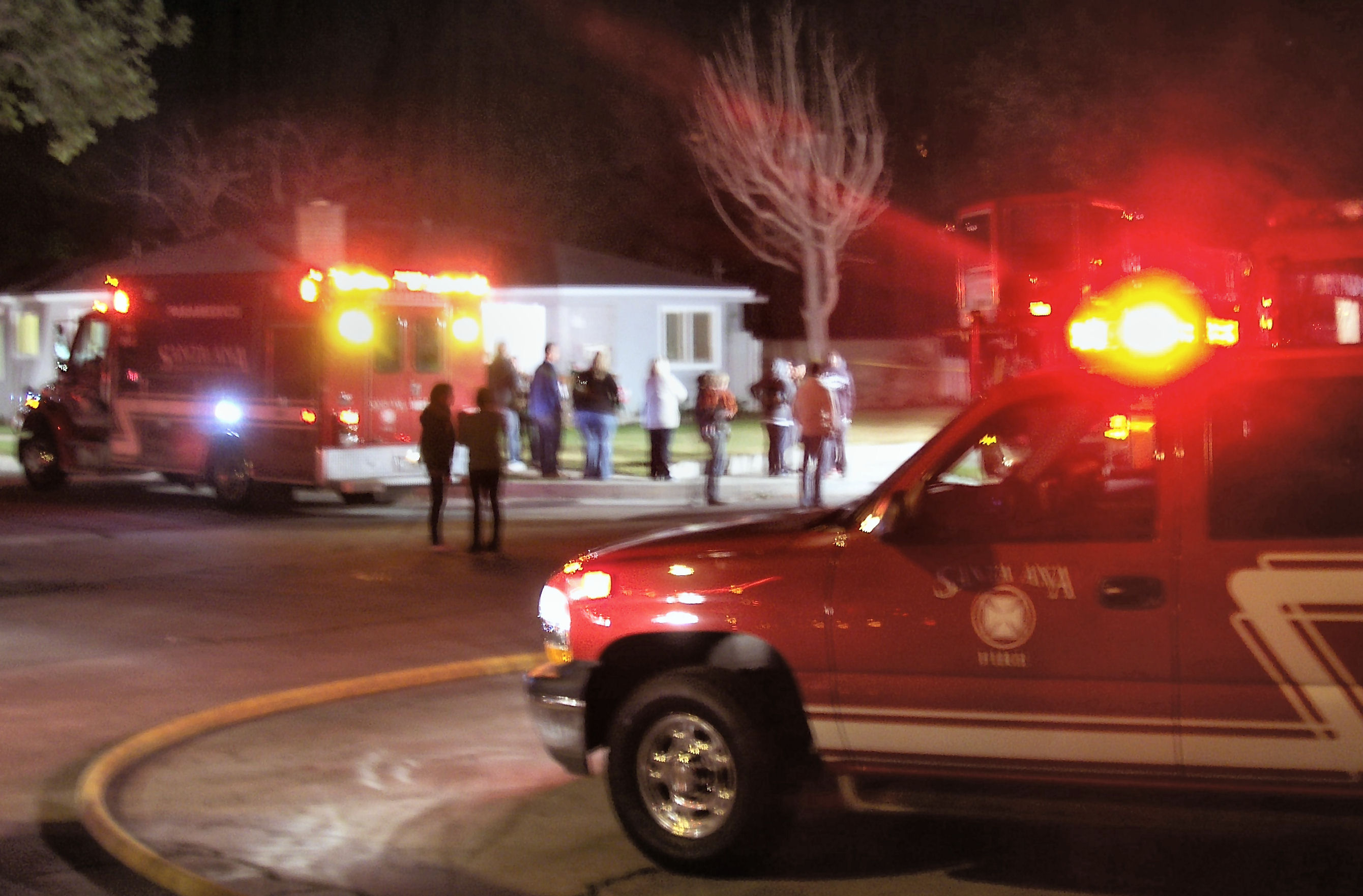 The scene was chaotic this evening in the Park Santiago neighborhood of Santa Ana, as perhaps a dozen fire trucks and police cars responded to a huge fire at the […]