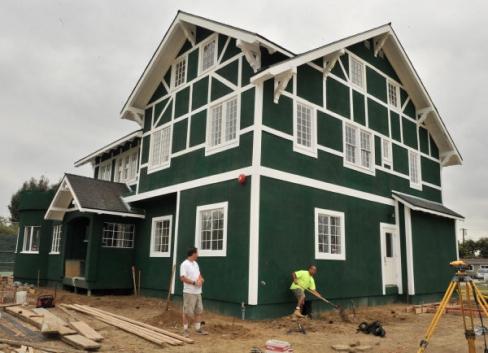 City Of Santa Ana Paints Historic Home Wimbledon Green Orange Juice Blog