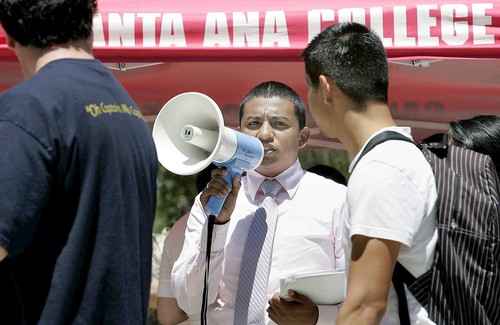 (Santa Ana College student body President Alex Flores, center, tries to get students to contribute funds.  Picture courtesy of the L.A. Times) Are Santa Ana's residents becoming Libertarians?  About 500 […]