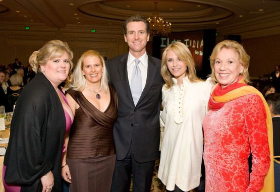 Does Gavin Newsom prefer blonds? Mayor Gavin Newsom's rumored plan to force out the Latino director of the Human Rights Commission and move contracting oversight functions to another city department […]