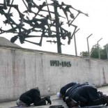 From the latest issue of the Forward, At the Death Camps, Muslim Leaders Grapple With Jews' Pain: Krakow, Poland — It was a perfect summer day at the Dachau concentration […]