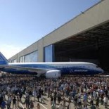 . . . 787 Dreamliner. Leverage. When you are a major government subcontractor and big brother or organized labor can apply pressure that impacts private sector management decisions. Case in […]