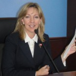 . . . . . Villa Park: City Councilwoman Deborah Pauly has shocked OC politicos by publicly announcing via her twitter account that she has taken up the very Muslim […]