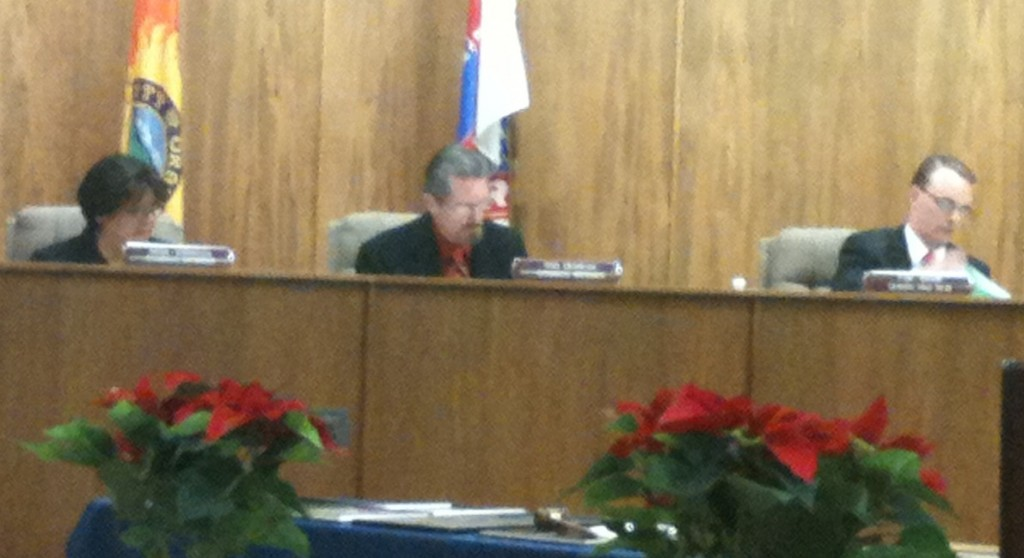 From right to left: new Mayor Tim Shaw, new Mayor Pro Tem Tom Beamish, and new Neither Rose Espinoza