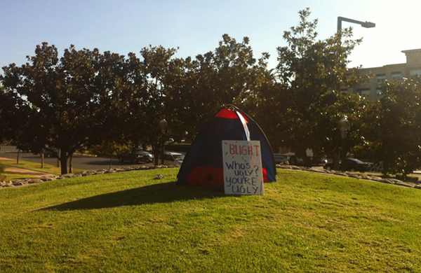 Anaheim - tent protesting anti-homeless ordinance