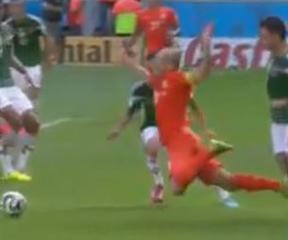 Robben-Marquez 24