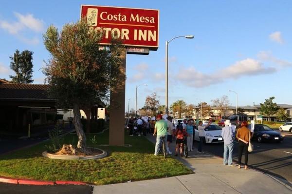 Costa Mesans Stage Heartfelt Protest Against Eradication